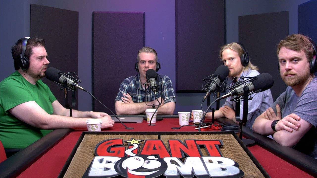 Giant Bombcast 472: Weird-Looking Space People
